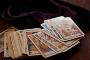 Ennustaja Mariana - Taro kaartidega ennustamine